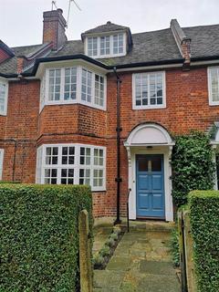 4 bedroom semi-detached house to rent - Cranmore Way, N10