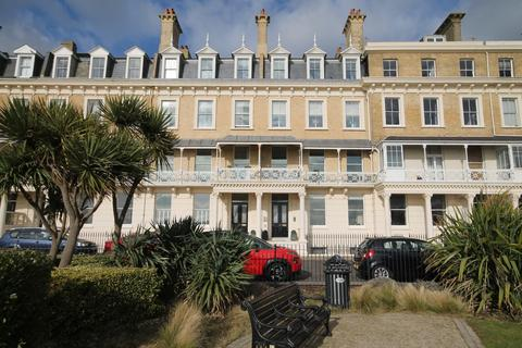 2 bedroom apartment for sale - Mayfair House, Heene Terrace, Worthing BN11 3NR