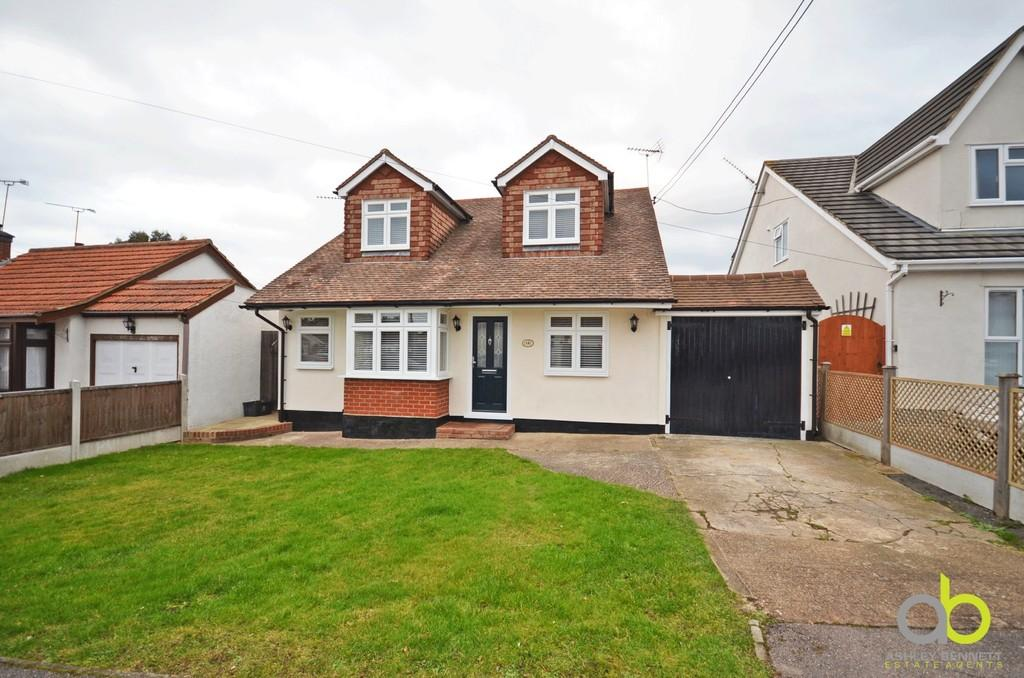 Page Road Bowers Gifford 4 Bed Detached House For Sale 525 000