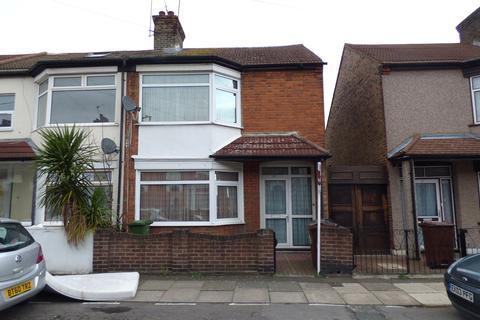 3 bedroom end of terrace house to rent - Essex Road, Barking, IG11