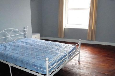 Terraced house to rent - Room 2, 147 St Georges Road, Cheltenham. GL50 3EQ