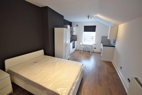 Studio to rent - 21 Brentwood, Salford, Manchester M6 8QU