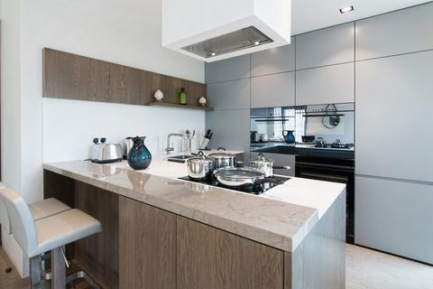 2 bedroom flat to rent - Babmaes Street, St James, London