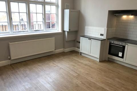 Studio to rent - Grand Avenue BN3