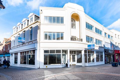 Retail property (high street) to rent - Strait Bargate, Boston PE21