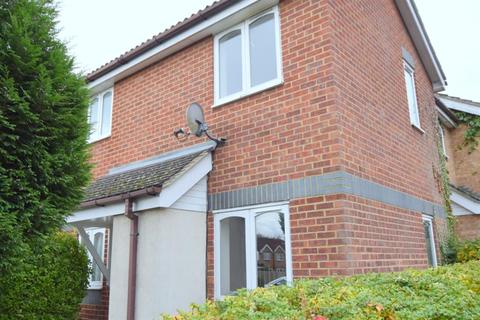 1 bedroom terraced house to rent - Cotswold Way, KT4