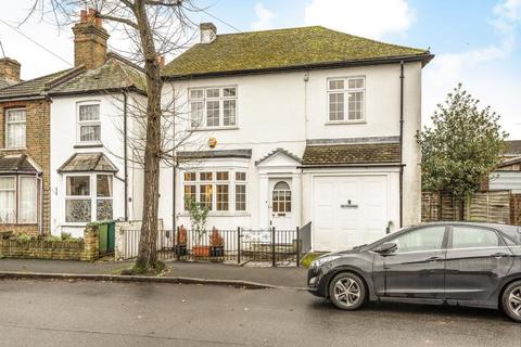 3 bedroom detached house to rent - Guildford Street, Staines upon Thames, TW18