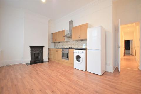 2 bedroom flat to rent - Leeland Road, West Ealing