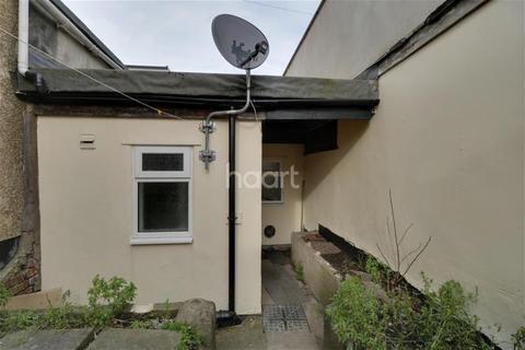 1 bedroom maisonette to rent - Church Road, Redfield