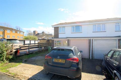 3 bedroom semi-detached house to rent - Robin Way, Staines-upon-Thames, Surrey