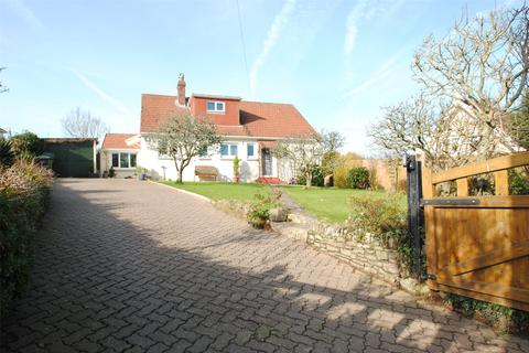 3 bedroom detached bungalow for sale - Church Hill, Knowle