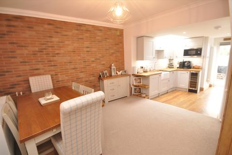 2 bedroom end of terrace house for sale - Milton Road, Brentwood