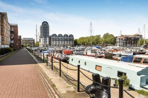 2 bedroom flat to rent - South Dock Marina, Surrey Quays, London, SE16 7FL