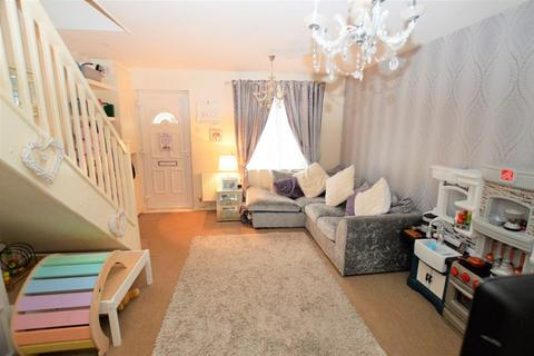 2 bedroom end of terrace house for sale - Gilderdale, Lea Meadows, Luton, Bedfordshire, LU4 9NA