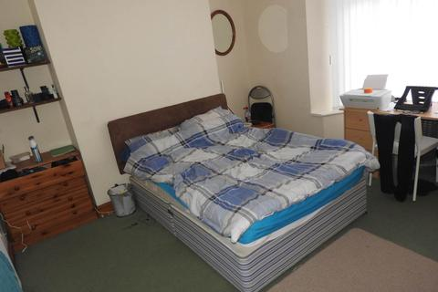 4 bedroom house to rent - Canterbury Road, Brynmill, Swansea