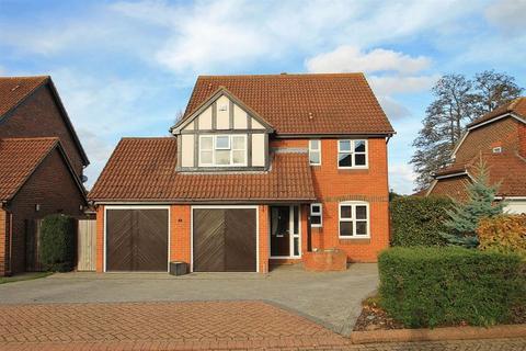 4 bedroom detached house for sale - Waterside Property - Send, Woking