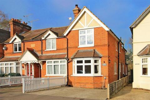 3 bedroom terraced house for sale - Sandy Lane, Send, Woking