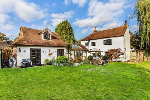 5 bedroom detached house for sale - West Clandon, Guildford