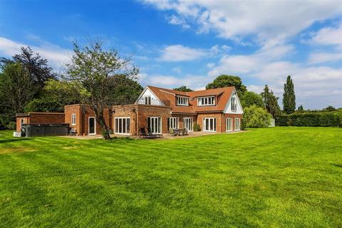 6 bedroom detached house for sale - West Clandon, Guildford