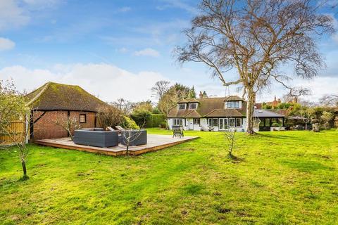 4 bedroom detached house for sale - Send, Woking