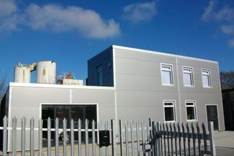 Industrial unit to rent - Stock Road, Southend On Sea, Essex, SS2 5QF