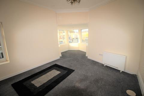 2 bedroom flat to rent - Flat 2, 78 Lytham Road