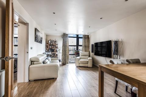 2 bedroom flat for sale - Scott Avenue, Southfields