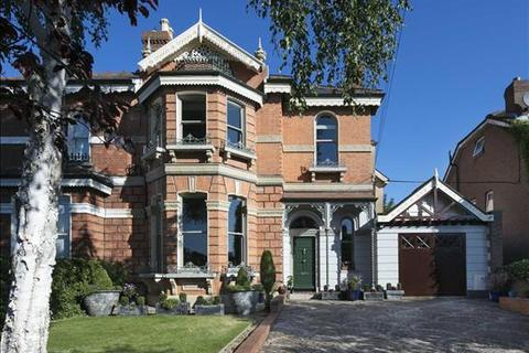 5 bedroom house - 36 Sandymount Avenue, Ballsbridge, Dublin  4