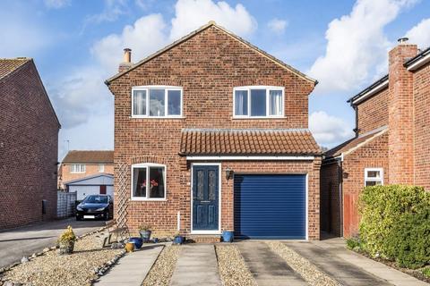 3 bedroom detached house for sale - Dee Close, Woodthorpe