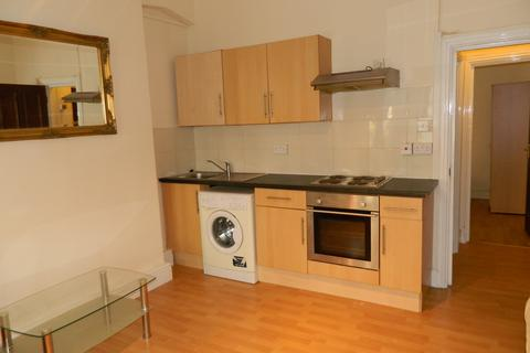 1 bedroom flat to rent - Connaught Road, Roath, Cardiff CF24