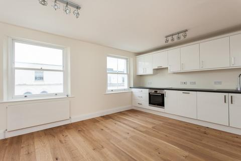 2 bedroom apartment to rent - Monmouth Road, Bayswater