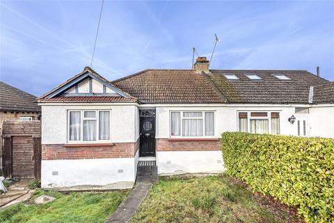 2 bedroom bungalow for sale - Lyndhurst Gardens, Pinner, Middlesex, HA5