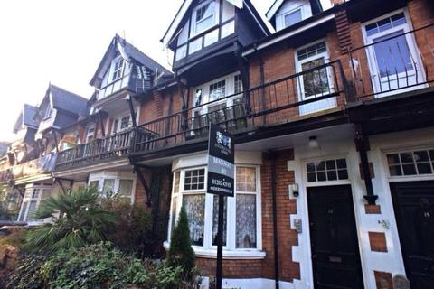 1 bedroom house share to rent - Room 1, 14 Churchill Road, Bournemouth, BH1..