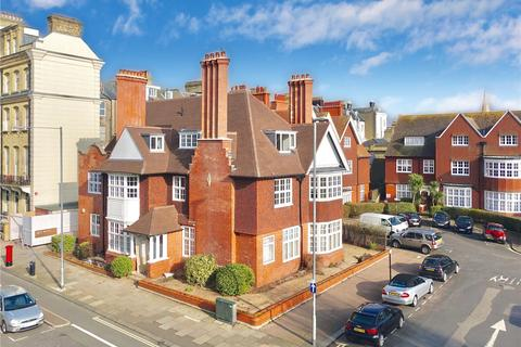 3 bedroom flat to rent - Grand Avenue, Hove, East Sussex, BN3