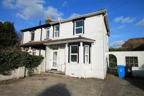 4 bedroom semi-detached house to rent - Bourne Valley Road, Poole