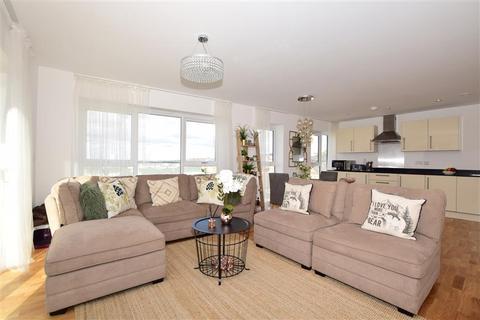3 bedroom flat for sale - Mill Pond Road, Dartford, Kent