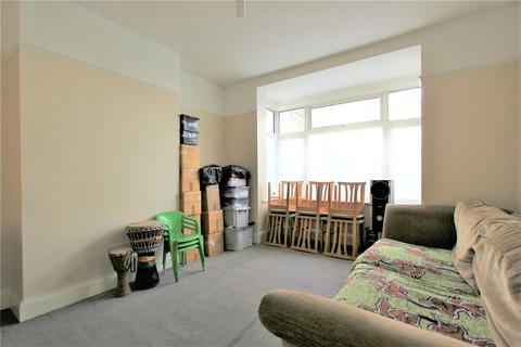3 bedroom end of terrace house for sale - Queensbury Road, London, NW9