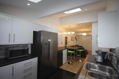 8 bedroom house to rent - Albion Rd(NO FEES), Fallowfield, Manchester M14