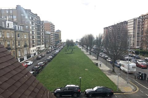 2 bedroom apartment to rent - Grand Avenue, Hove BN3 2LF