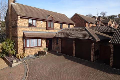 5 bedroom detached house for sale - Lippitts Hill, Luton