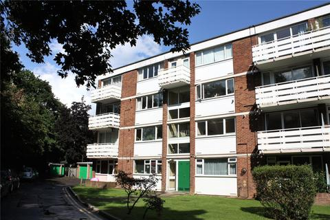 2 bedroom apartment to rent - Petworth Court, Bath Road, Reading, Berkshire, RG1