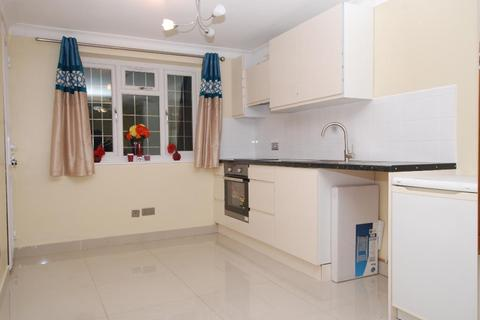 Studio to rent - Beverley Way, Raynes Park, sw20 0ag