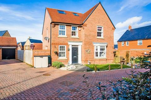 5 bedroom detached house to rent - Butterfly Close, Buckingham