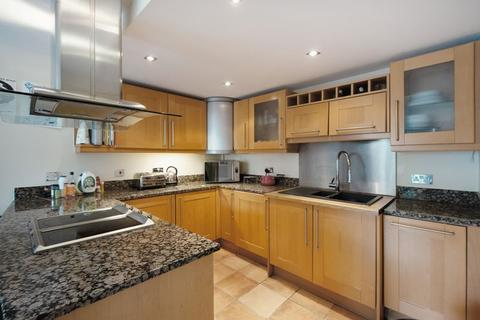 2 bedroom apartment for sale - Millharbour, Canary Wharf, E14