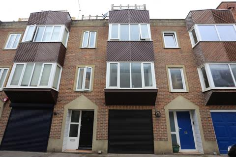 2 bedroom terraced house to rent - Vine Street, Brighton