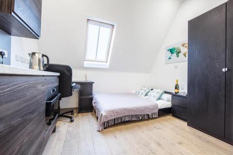 Studio to rent - The Bruce Building, City Centre
