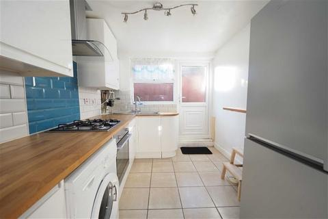 2 bedroom terraced house to rent - Brewery Road, Plumstead, London, SE18