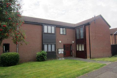 Studio to rent - Somerville, Werrington, Peterborough