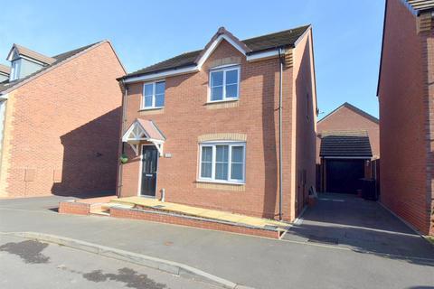 4 bedroom detached house for sale - Rowhurst Crescent, Talke