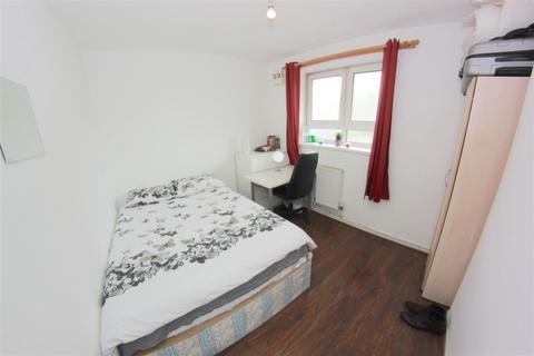 4 bedroom house share to rent - Headlam Street, London